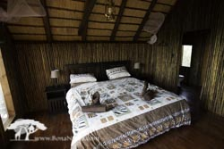 Couples Tree House Kingsize bed